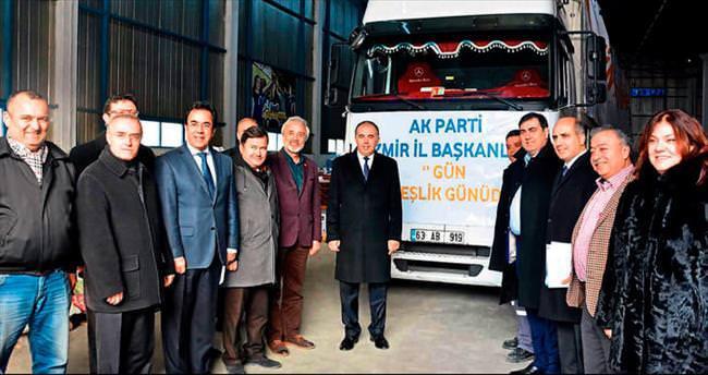 AK Parti Izmir'in TIR'ları yola çıktı