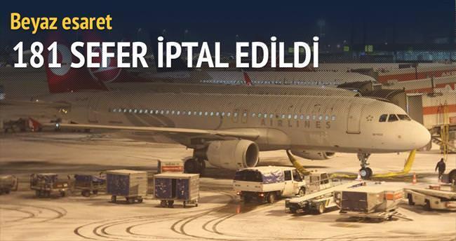 İstanbul'da 181 uçuş iptal