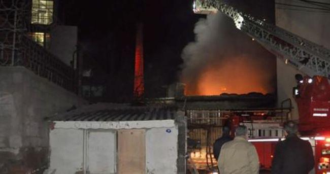 Yem fabrikasında yangın