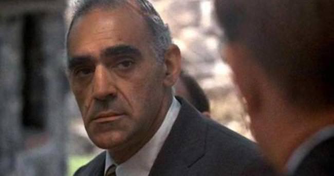 Ünlü oyuncu Abe Vigoda hayatını kaybetti