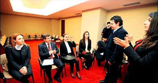 AK Parti'den 'işaret dili' eğitimi