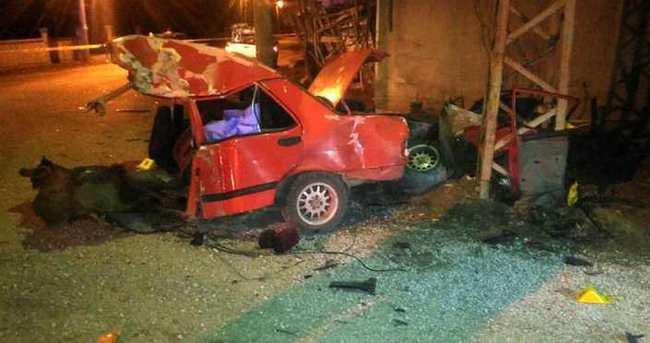 Otomobil ikiye bölündü, sürücü öldü