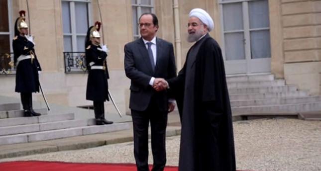 Hollande, Ruhani'yi kabul etti