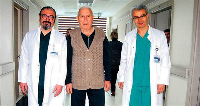 82'lik Mehmet amca kalbi durdurulmadan bybass oldu
