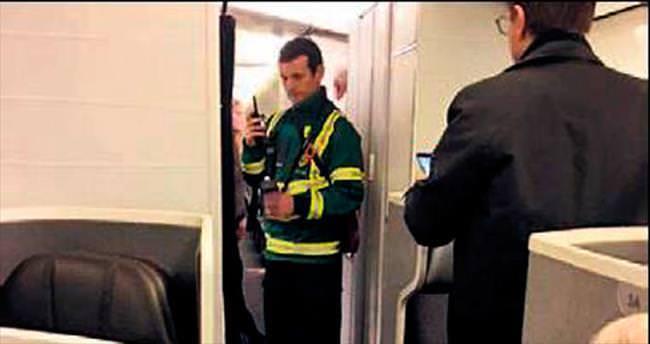Yolcular hastalandı uçak geri döndü