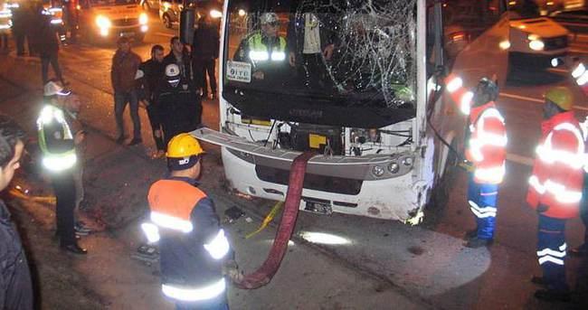 TEM'de servis aracı devrildi: 1 ölü, 16 yaralı