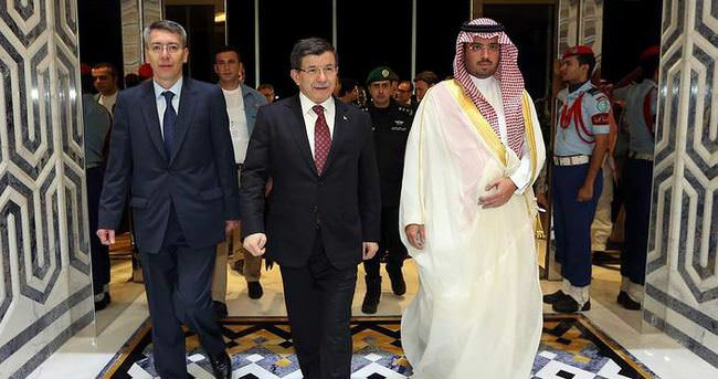 Başbakan Davutoğlu Suudi Arabistan'da