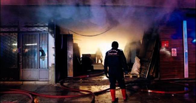 Siteler'de yangın paniğe neden oldu