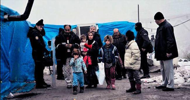 Suriyelilerin yaşadığı çadırlar kaldırıldı
