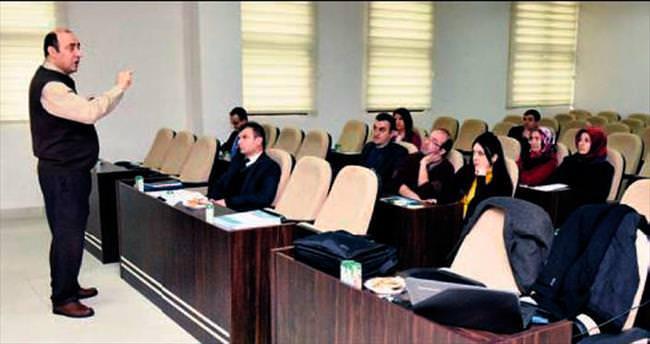 Belediye personeline kalite semineri