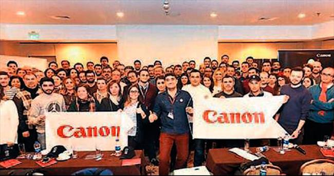 İzmirli fotoğrafçılara Canon EOS anlatıldı