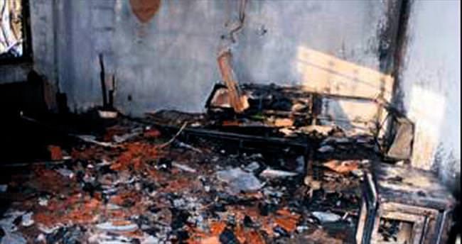 Avukat evinde yanarak öldü