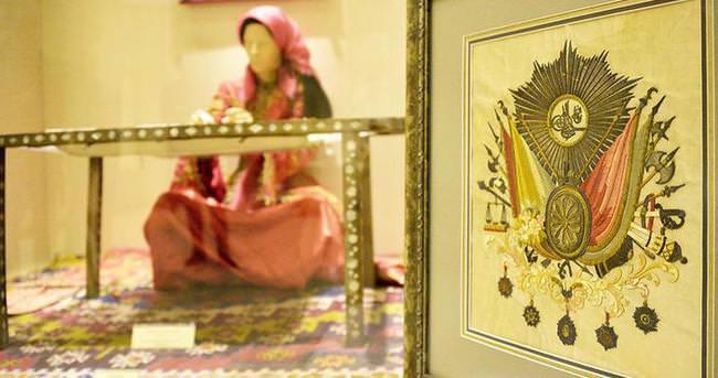 Sultan 2. Mahmud'un tuğrası Etnoğrafya Müzesinde sergileniyor