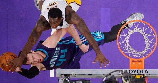 Lakers, kendi yenilgi rekorunu egale etti