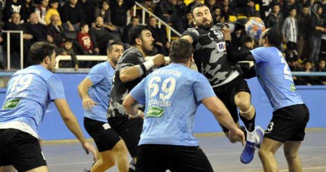 Hentbolda Beşiktaş zirvede