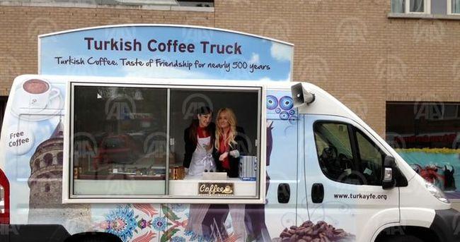ABD'liler Türk kahvesini tanıtıyor