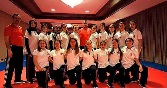 Avrupa Şampiyonası'na Antalya'da hazırlandılar