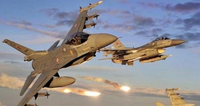 Yunanistan Türk uçaklarını taciz etti