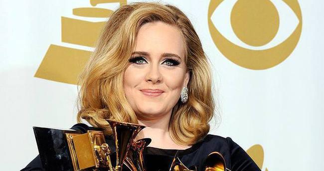 Adele'den Trump'a izin yok