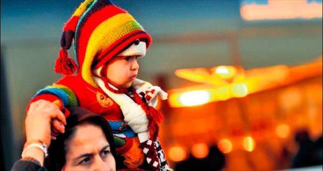Yunanistan'a gidenlerin üçte biri çocuk