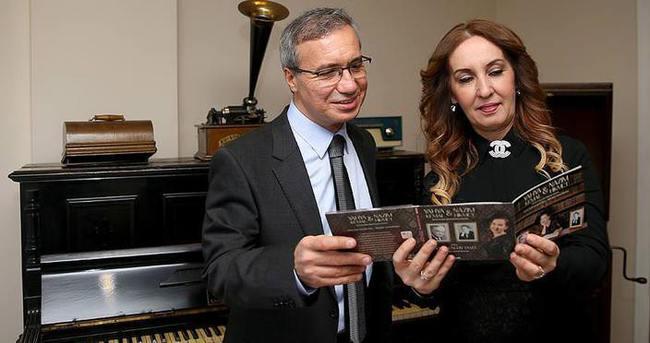 Yahya Kemal ve Nazım Hikmet bir albümde