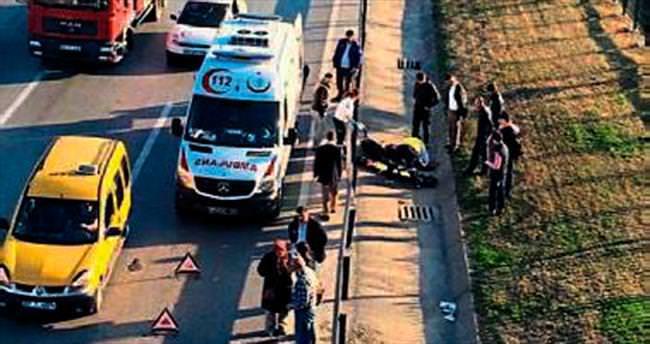Otomobil motorla çarpıştı: 1 yaralı