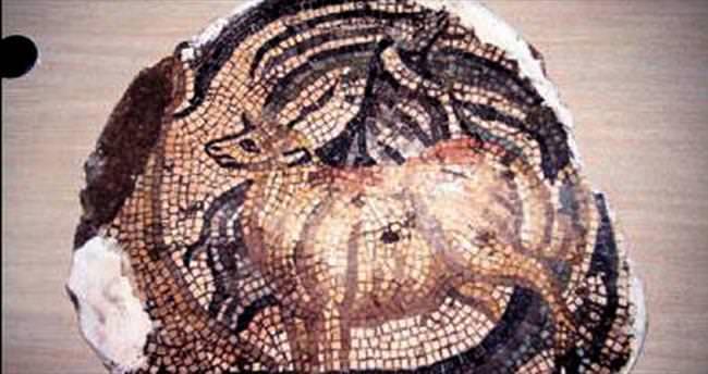 PKK'lılar 5 bin yıllık mozaiği çalmış