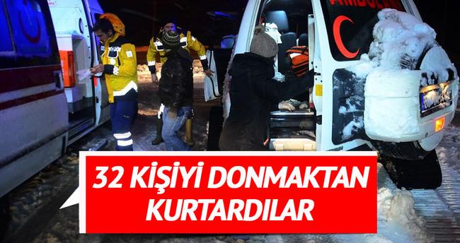 AFAD ve Mehmetçik 32 kişiyi donmaktan kurtardı