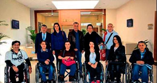 Başkan'ın konuğu engelli sporcular