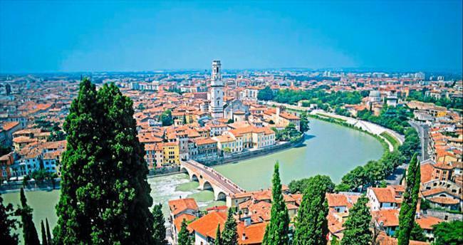 Eğer birine aşıksan onu Verona'ya getir