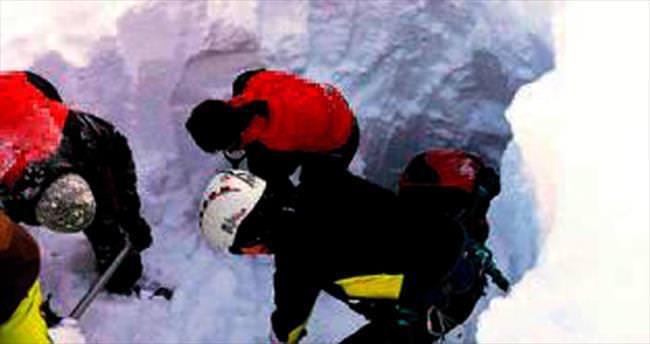 Alpler'de çığ faciası: 5 ölü