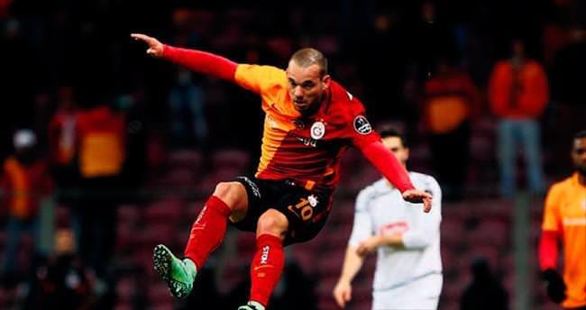 Sneijder'in menajerinden yönetime mesaj: Satın