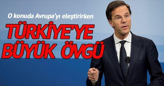 Hollanda Başbakanı'ndan Türkiye'ye göçmen övgüsü
