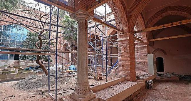 Muradiye Medresesi 'Kuran-ı Kerim ve Hat Müzesi' olacak