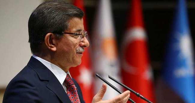 Başbakan Davutoğlu, medya sahipleri ve üst düzey yöneticileriyle bir araya geldi