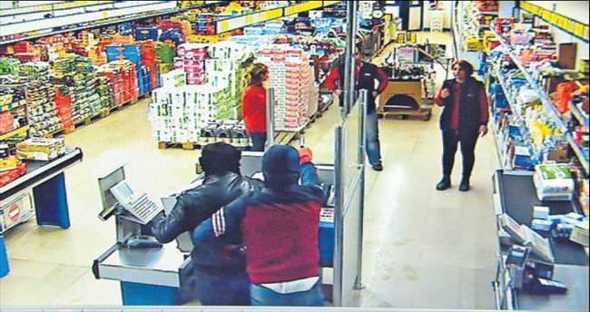Aynı marketi iki kez soyanlar yakalandı