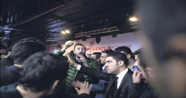 CHP'li gençlerin olaylı kongresi