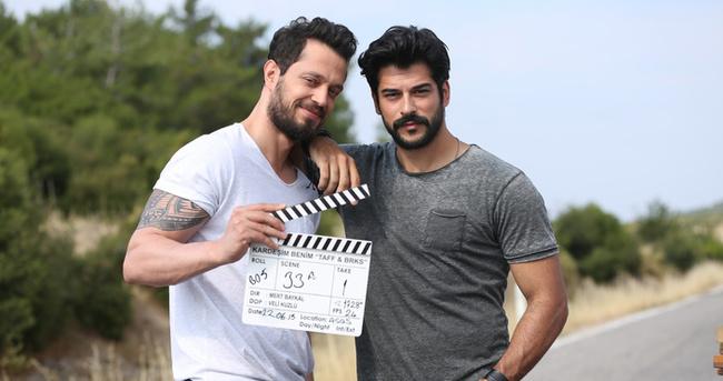 Murat Boz ve Burak Özçivit'ten sürpriz haber