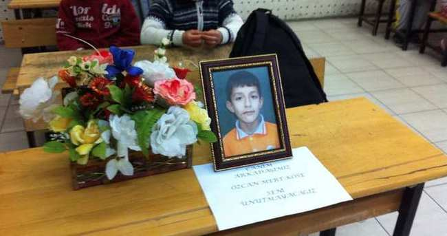 Sınıf arkadaşları elektrik akımına kapılıp ölen Özcan'ı unutmadı