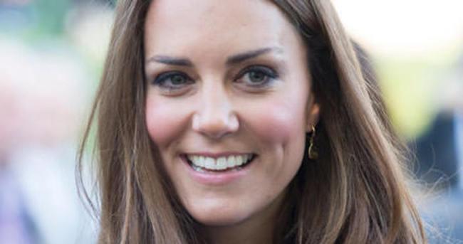 Kate Middleton'ın kaşları olay oldu!