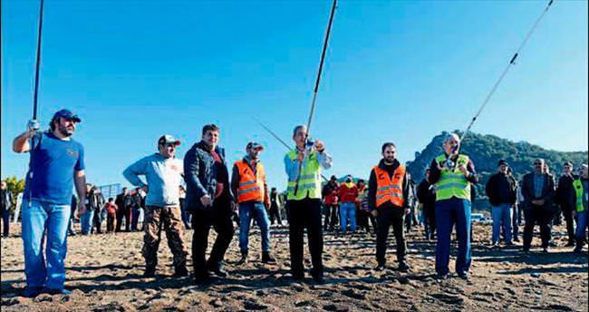 Balık avcıları Kumluca'da yarıştı