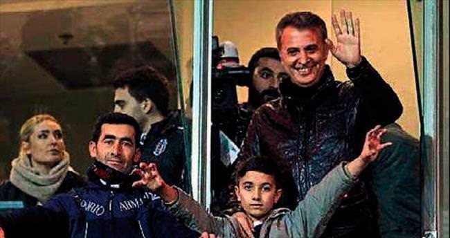 Beşiktaş'tan İzmirli çocuğa vefa