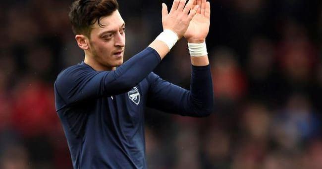 Mesut Özil'den Leicester City'e övgü