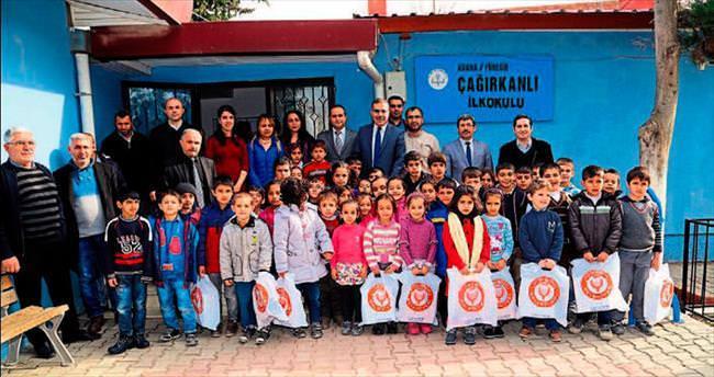 Başkan Çelikcan'dan üç bin öğrenciye bot