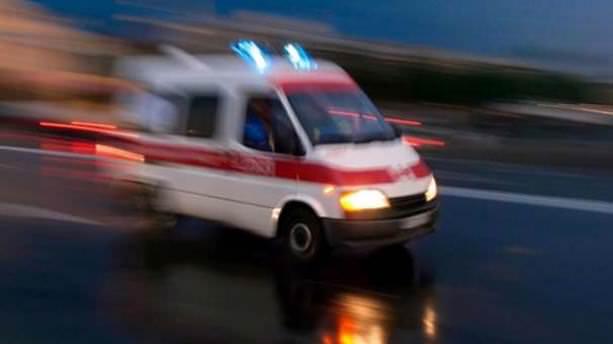 Hasta nakil aracı ile otomobil çarpıştı: 15 yaralı