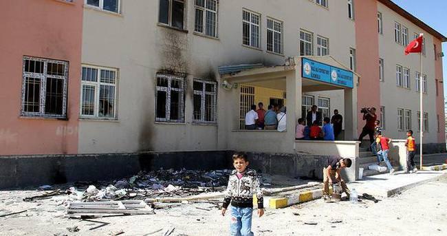 '400'e yakın okula terör saldırısı gerçekleştirildi'