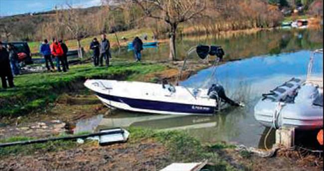 Terkos'ta bot faciası: 2 ölü