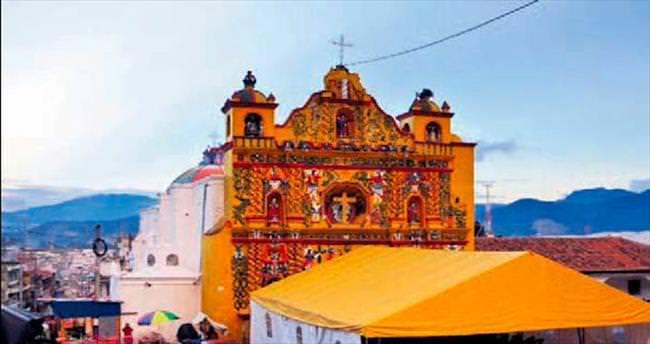 Türkler, Guatemala'daki Xecul kentini keşfediyor