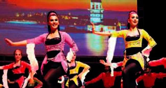 150 dansçıdan 15'inci yıl gösterisi