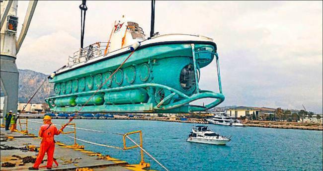 Turistik denizaltı